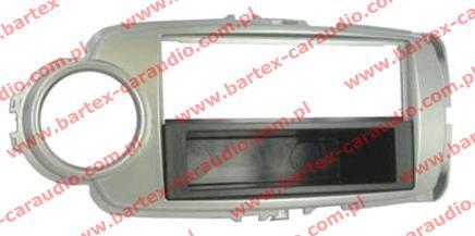 Toyota YARIS 2011-> ramka pod radio 1DIN